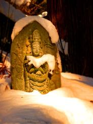 10山寺手に雪仏★DSC04906s.jpg